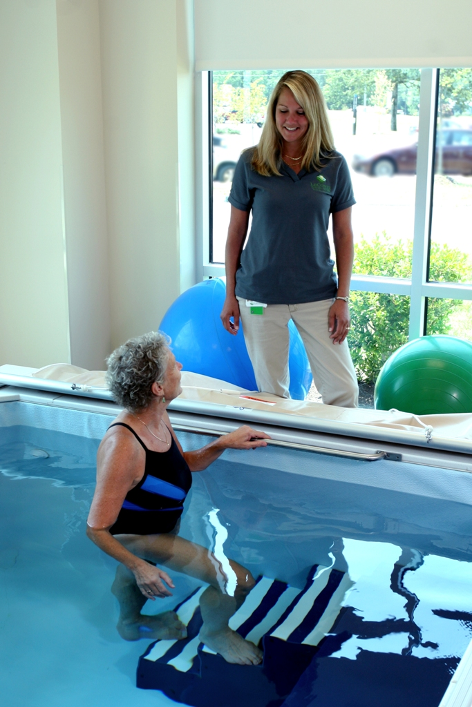 Aquatic therapy available at Sevierville location.
