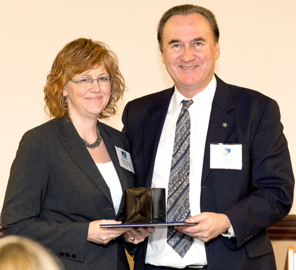 LeConte surgery manager Kristi Ramage, RN, was recognized by Covenant Health President and CEO Tony Spezia for being a finalist.